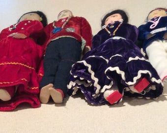 "7: 6""-11""Vintage cloth Native American Navajo Indian Dolls with beads"