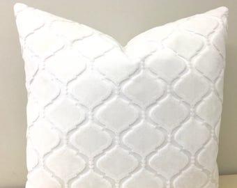 Cream Velvet Pillow Cover, Cream Pillows, Velvet Pillow, Luxury Pillows, Decorative Throw Pillow, Velvet Cushion, Cream Velvet Pillow Covers