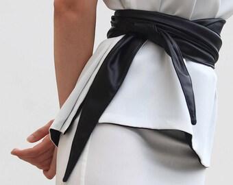 Scarlett Belt - black vegan leather wraparound belt