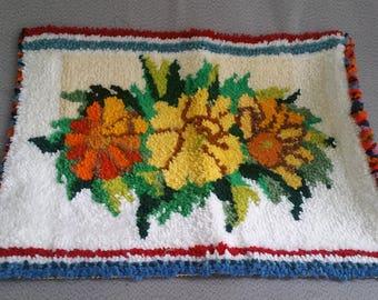 Handmade Rug Flower Square