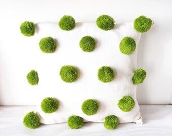 Green Pom Pom Pillow / Pom Pom Pillow Cover / Green Pom Pom Pillow Cover / Mexican Pom Pom Pillow Cover / Pom Pom Cushion Pillow