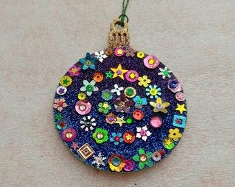 Round Ornament 15