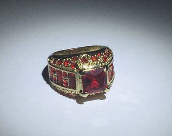 Cubic Zirconia Red Gemstone Gold Ring Size 6