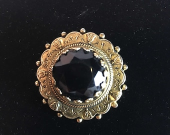 BLACK VINTAGE BROOCH, Black Glass Vintage Brooch, Medallion Brooch, Freirich Brooch, Vintage Costume Jewelry, Birthday, Gifts for Her