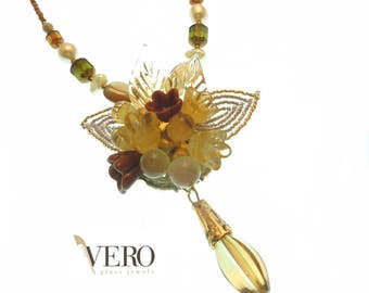 Flowers glass necklace