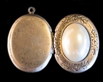 Vintage Pearl Locket