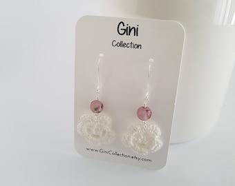 Dainty crochet earrings, with vintage bead.