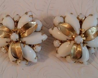 Lovely Golden Vintage WEISS Milk Glass Flower Earrings