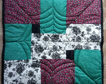 Web Gothic Patchwork Quilt Small