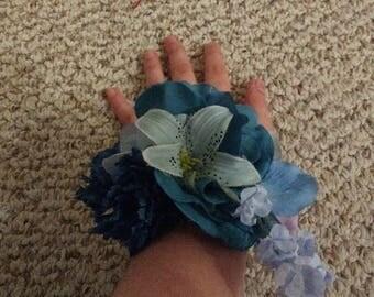 Blue Handmade Flower Bracelet