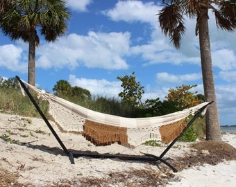 Brazilian Hammock with Fringe: Coconut