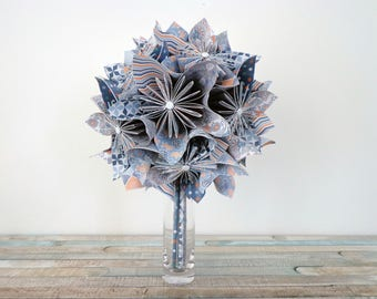 """Bouquet in origami style """"arty"""" on doilies"""