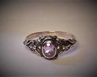 Art Nouveau Sterling Silver Pale Lavender Paste Ring