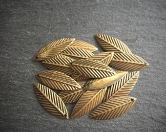 30 x Bronze Leaf Charms, Bronze Leaf Charms