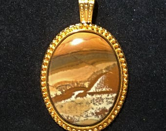 Owyhee Picture Jasper Pendant with great earth tones