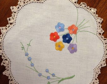 Vintage hand embroidered doily, 22 cm scalloped circle, multi coloured flowers