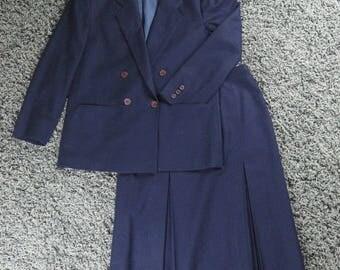 Vintage Pendleton 100% Virgin Wool Woman's Suit Navy Blue Double Breasted Sz 12