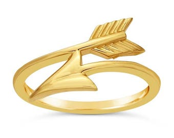 14-karat yellow gold bypass ring features arrow design that wraps around the finger.
