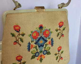 Vintage 1950s floral embroidery handbag carpetbag
