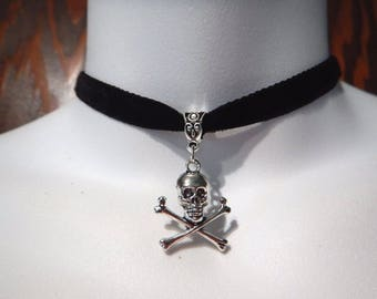Silver Jolly Roger Skull Pendant on Velvet Choker Gothic Pirate 1K