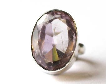 Oval Lilac Quartz ring (Small)
