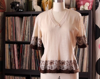 vintage tan and brown flower sweater . short sleeve v neck knit pullover sweater, made in Greece . womens small medium
