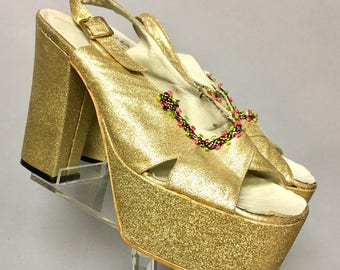 """Awesome GOLD DISCO Platforms, Vintage 1970's Glittery PLATFORM Shoes, with 5"""" High Heels, size 7.5 aa"""