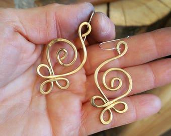 Celtic Budding Spiral Brass Earrings, Celtic Jewelry, Women Celtic Earring Gift for Her Dangle Earrings, Hammered Jewellery Stocking Stuffer