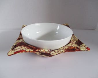 Boot Scootin bowl cozy, boots, western, brown, tan, kitchen, microwave hot pad, microwave safe, bowl holder, hot pad, table, western,