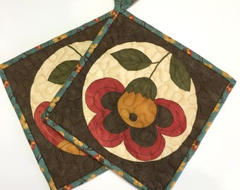 Woodland Flowers Quilted Pot Holders Hot Pads Kitchen Cooking  Quilted Rustic
