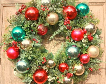 Shiny Brite wreath, Christmas wreath, holiday decor, Glass ornament wreath, kitschy Christmas wreath, red and aqua wreath, Vintage wreath