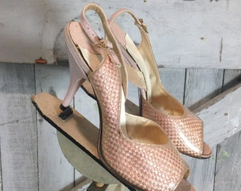 Fall sale 1950s pink peeptoe heels 50s woven and clear acrylic shoes size 4 Vintage Dream Step slingback
