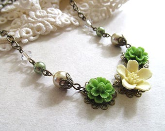 Country Bridesmaid Necklace, Vintage Floral Necklace, Rustic Wedding Jewelry, Summer Flower Wedding, Bridesmaid Gift, Custom Colors