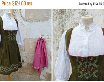 ON SALE 20% Vintage 1970/70s Tyrol Austria October fest dirndl dress embroidered + white cotton mini blouse & pink apron  /size S