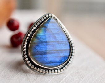 Labradorite Ring, Silver Ring, Statement Ring, Hand Fabricated Ring, Boho Style Ring. Bohemian Silver Jewelry