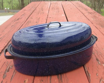 Vintage Dark Blue Enamelware Roaster - Medium Enamelware Roasting Pan - Oval Enamelware Lidded Pan