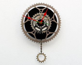 Bike Gear Clock, bike parts clock, cyclist gift, boyfriend gift, bicycle parts gift, unique repurposed bike clock, Recycled Bike Gear Clock