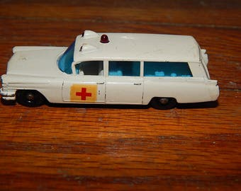 Vintage . Lesney . Matchbox Series No 54 . S & S Cadillac Ambulance