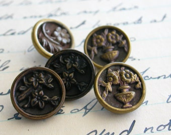 Five Victorian Pictorial Buttons with Flowers