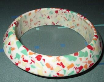 Vintage MOD 60s Multi-Color Confetti Lucite Bangle Bracelet