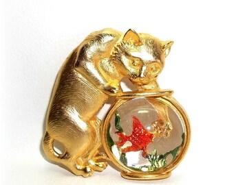JJ Cat Fishbowl pin brooch Fish Bowl Gold tone w/ acrylic bowl