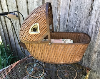 Antique/Vintage 1920's Era WIcker Doll Carriage
