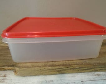 Vintage Tupperware meat keeper / modular mate / square storage keeper with red lid / leftover storage