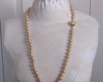 Long Pearl Necklace . retro pearl necklace  . faux pearl necklace . hand knotted pearl necklace