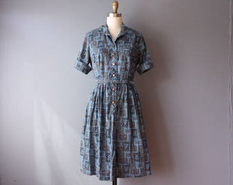 vintage early 60s day dress / paisley print belted dress / shirtwaist dress
