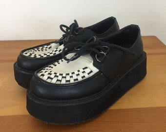 90s Flat Story Black and White Creepers Lace Up Platfoem Shoes, Size 5-1/2 to 6