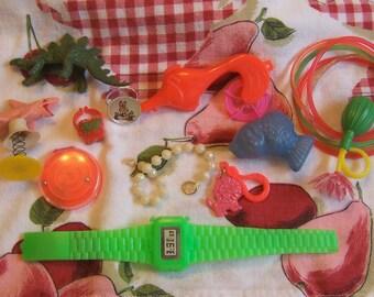 15 fun vintage novelty toy assortment