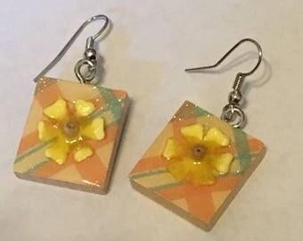Scrabble Tile Earrings - Yellow Floral Earrings - Teacher Gift - Mothers Day - Birthday Gift