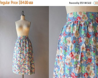 STOREWIDE SALE 1930s Skirt / Vintage 30s Floral Cotton Skirt / 1940s Floral Wrap Skirt S small