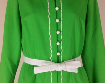 Vtg green long maxi skirt and top outfit with white braid embellishing chest 38